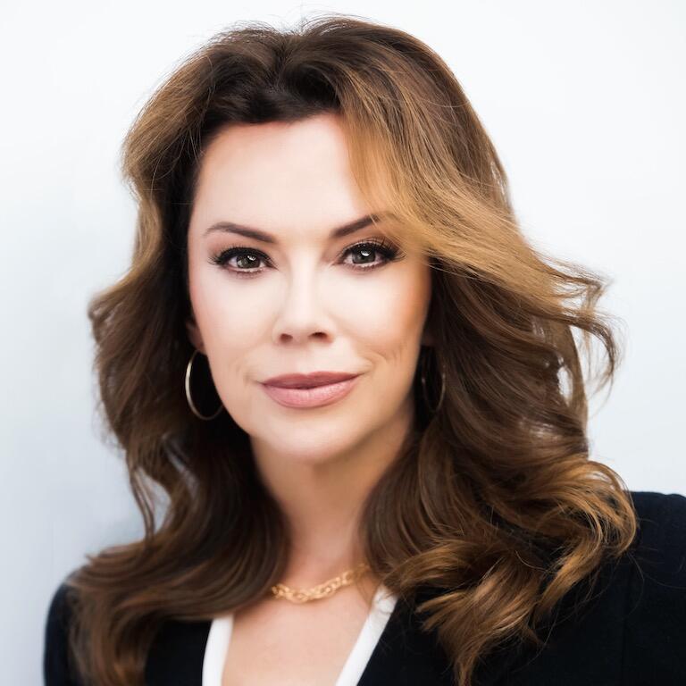 Stacie Olivares headshot
